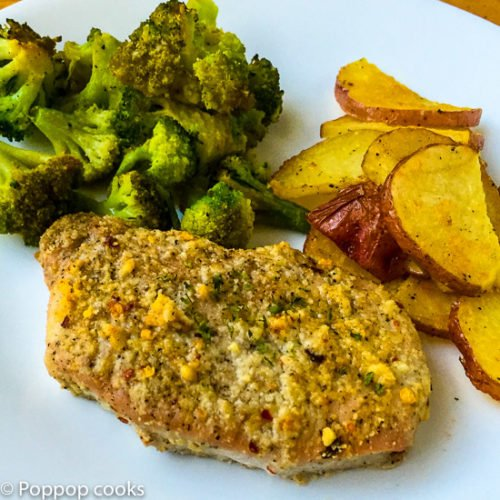 Oven Baked Pork Chops – Whole Meal in One Pan – 30 Minutes